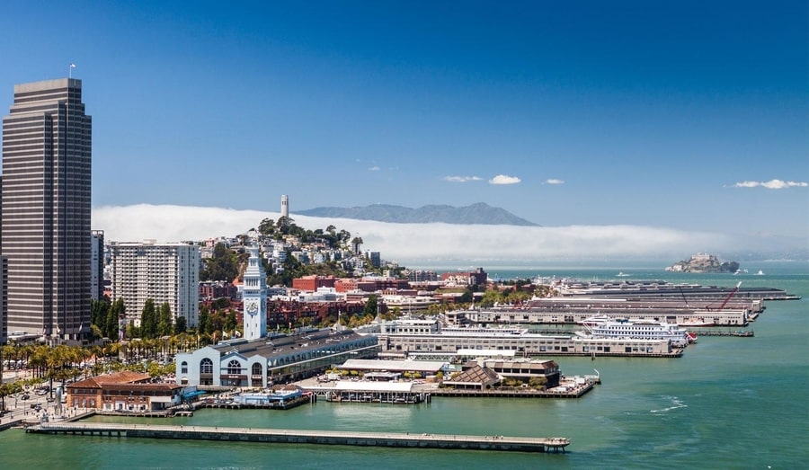 El Embarcadero, a place I recommend visiting in SF California