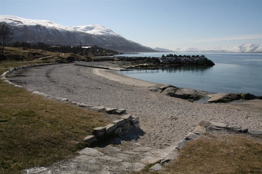 Telegrafbukta Beach, a place to visit in Tromso