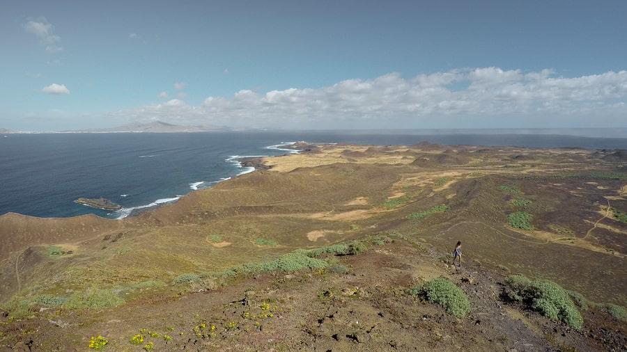 Hacer senderismo en Isla de Lobos, Islas Canarias
