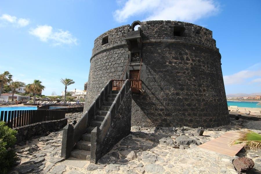 Caleta de Fuste, la zona mejor ubicada para alojarse en Fuerteventura