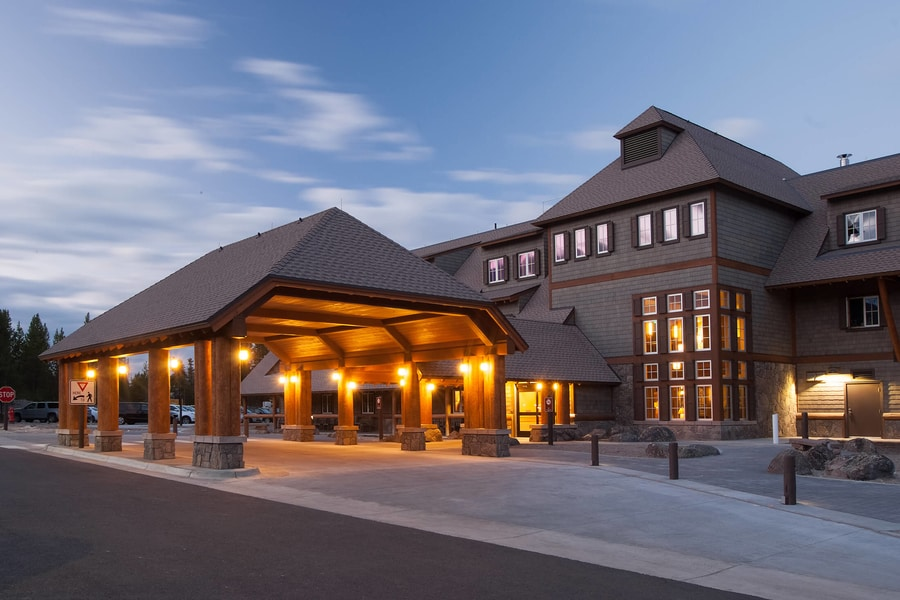 Canyon Lodge and Cabins, a good hotel where to stay in Yellowstone