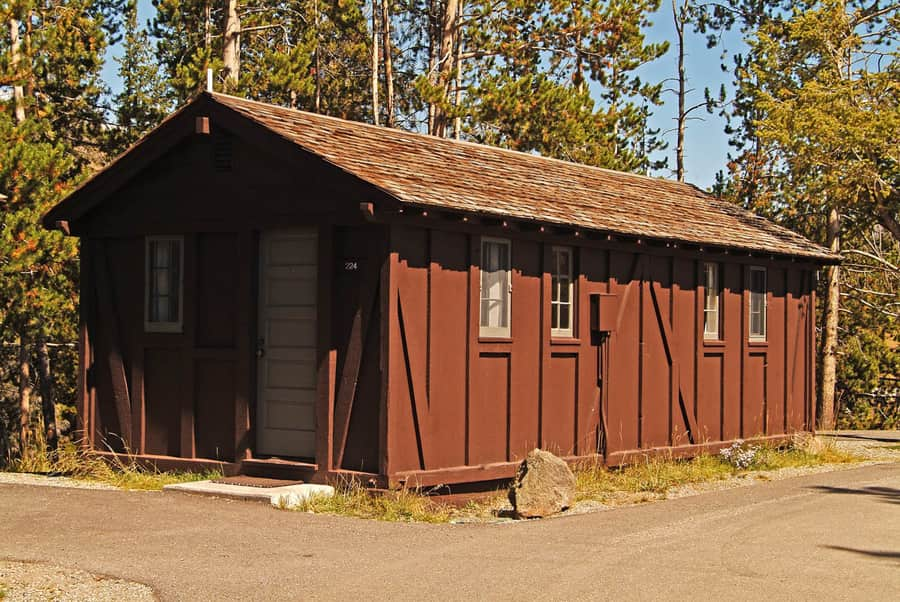 Old Faithful Lodge, cheap hotel in Yellowstone National Park