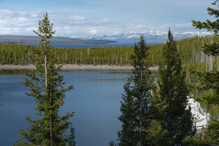Yellowstone Lake, a place to visit in Yellowstone