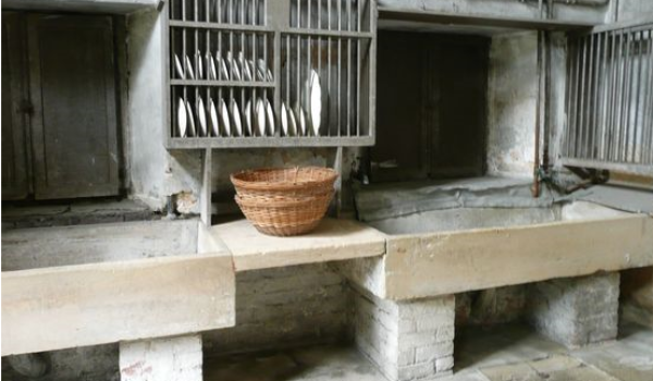 Antique and Reclaimed Stone Sinks