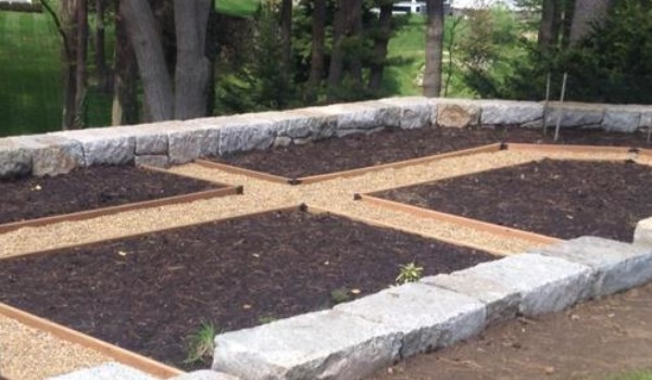 Garden Edging: hard working and deeply appreciated!