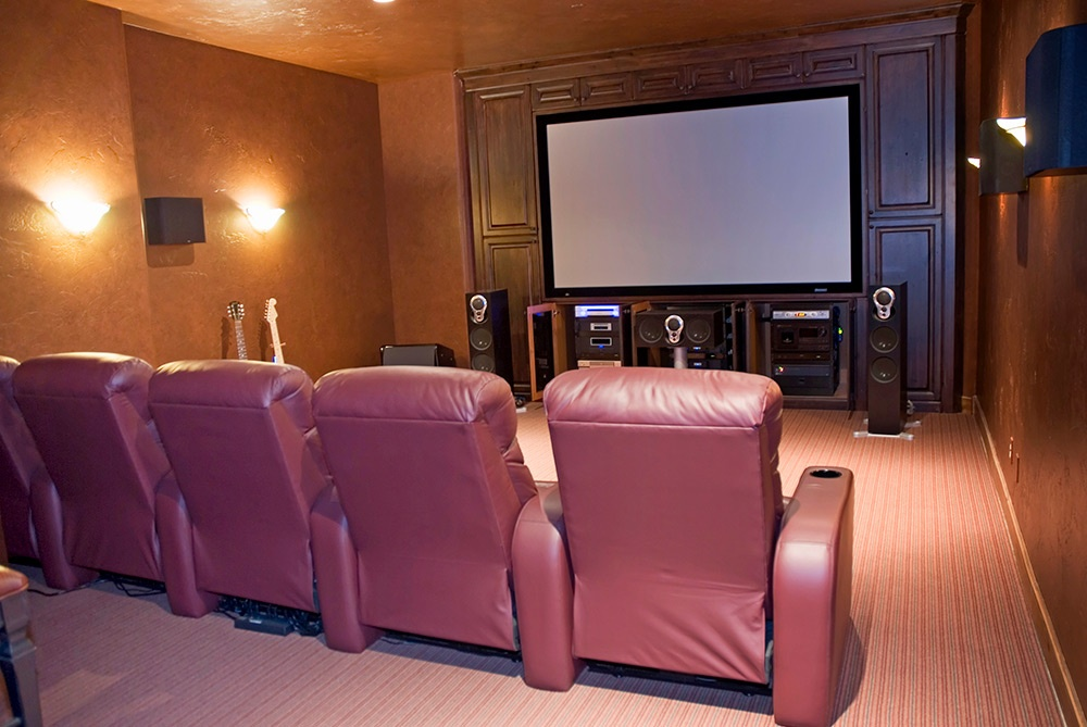 Get Ready for the Big Game With a Man Cave Home Theater