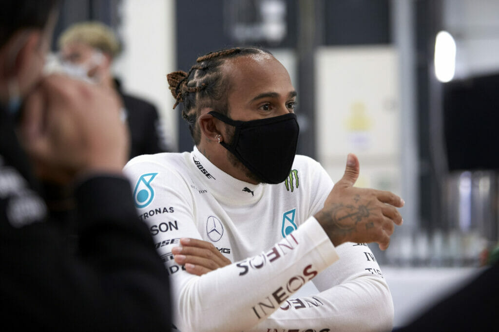 Lewis Hamilton em teste promovido pela Mercedes em Silverstone (Foto: Mercedes)