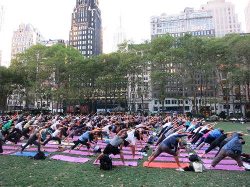 Bryant Park Yoga -Photo by Bryant Park Corporation (1)