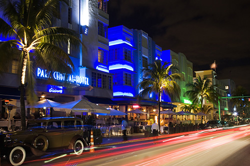 Ocean Drive. Photo by Greater Miami Convention and Visitors Bureau