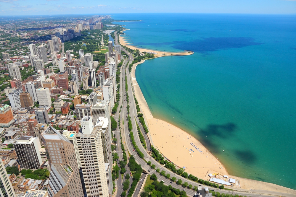Gazing upon the Windy City from Lake Shore Drive is sure to give you chills -- the good kind.