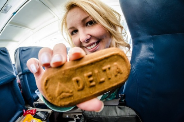 Delta serves branded Biscoff cookies. Courtesy of m01229.