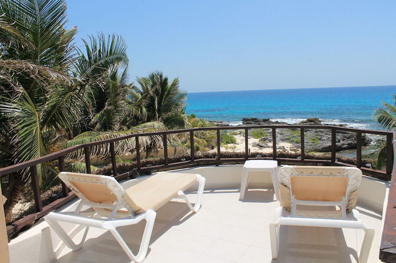 Cool Cancun hotels you can actually afford - Hotel Playa la Media Luna's beautiful balconies