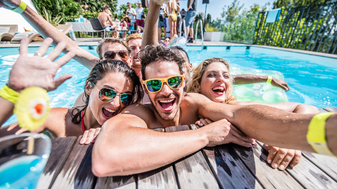 7 Pool Parties That Totally Own Spring Break Cheaptickets Travel Deals