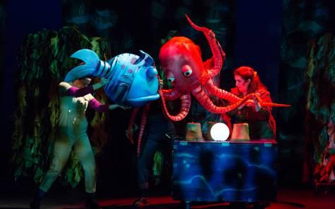 TheaterWorksUSA_The Pout-Pout Fish_Photo by Jeremy Daniel_L-R_ Kelly Grago, Mukta Phatak, Emmanuel Elpenord, Leannue Brunn_2019