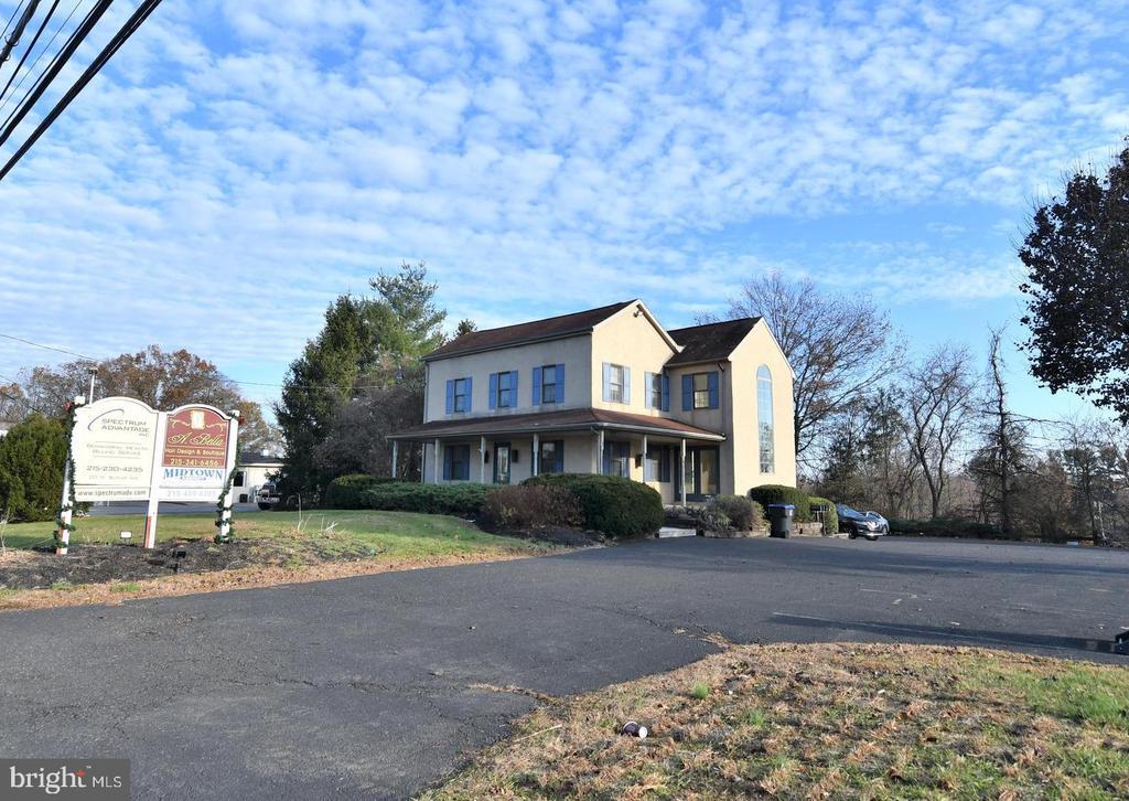 210 W Butler Avenue Doylestown, PA 18901