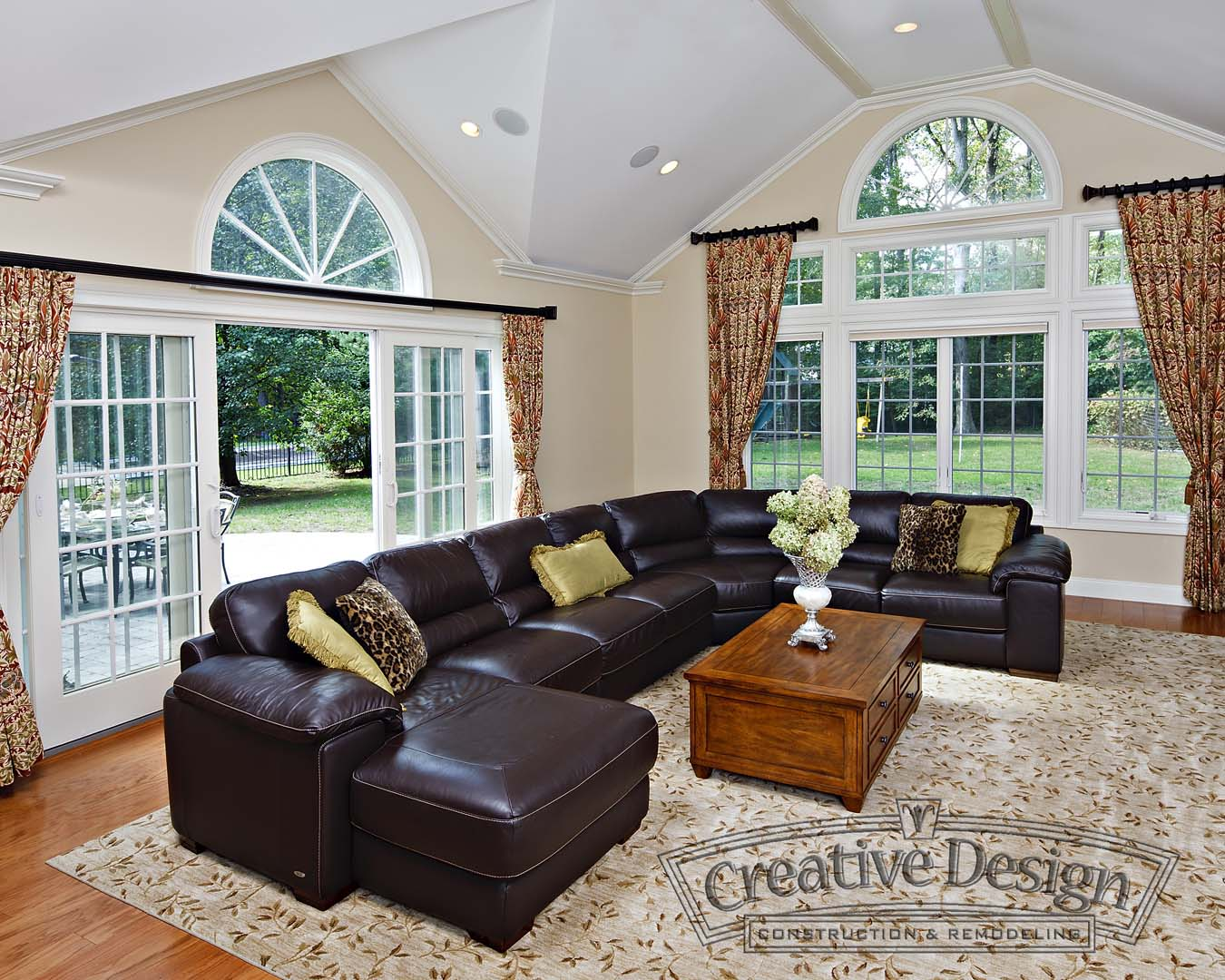 Family Room with french windows in New Jersey