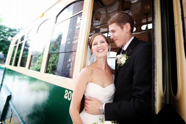 Elegant White & Gold Minnesota Wedding via TheELD.com