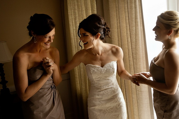 Choosing A Wedding Photographer: Why Hiring A Professional Makes A Difference via TheELD.com