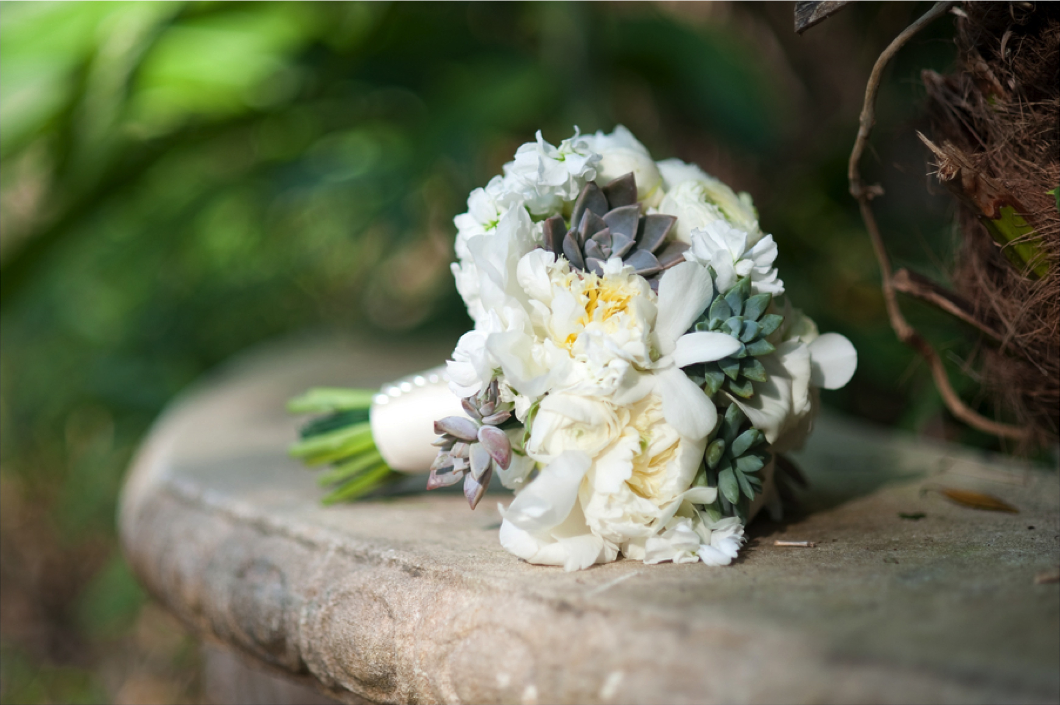 Green & White Nature Inspired Wedding via TheELD.com