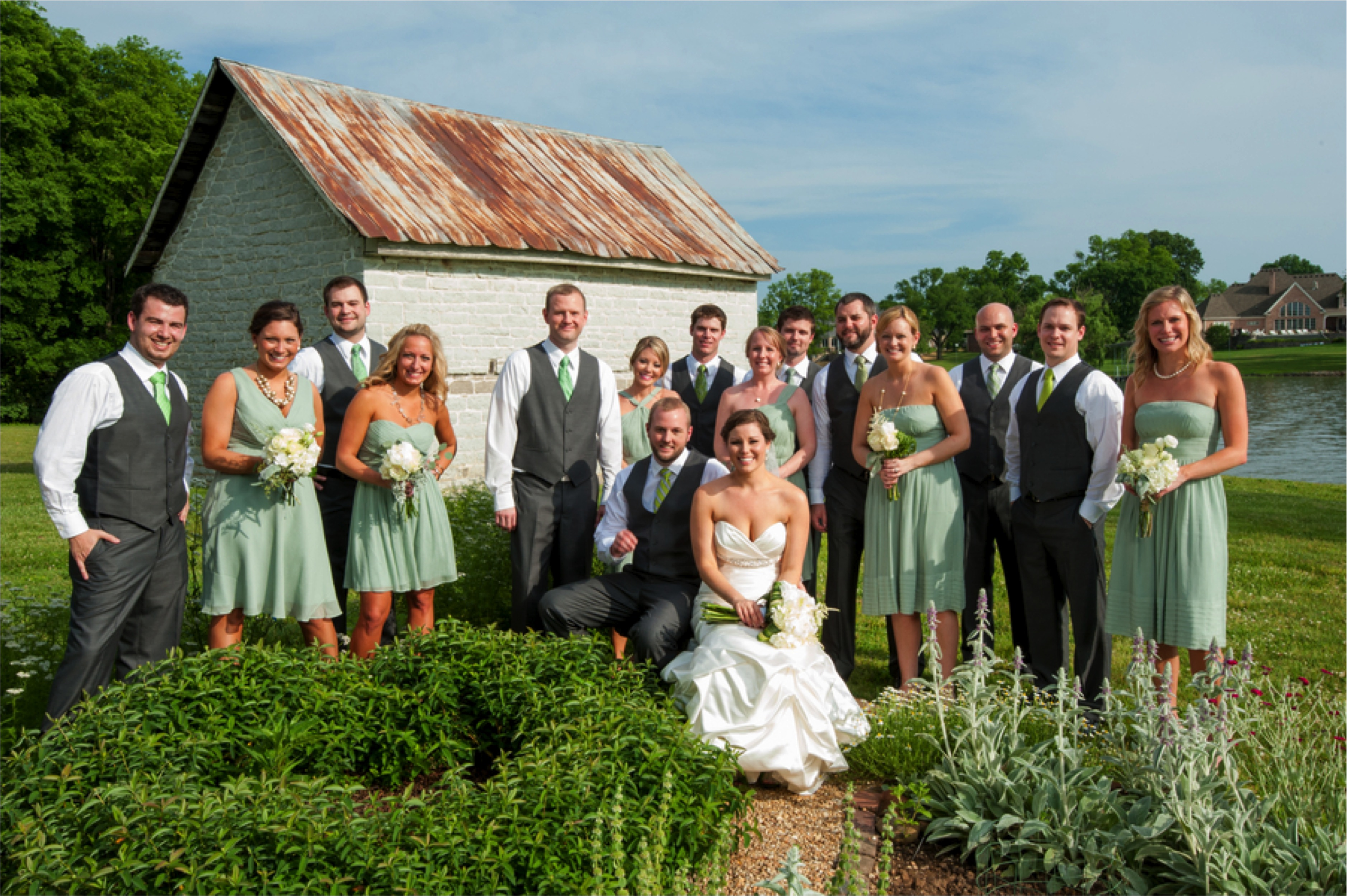Timeless Green & White Tennessee Wedding via TheELD.com
