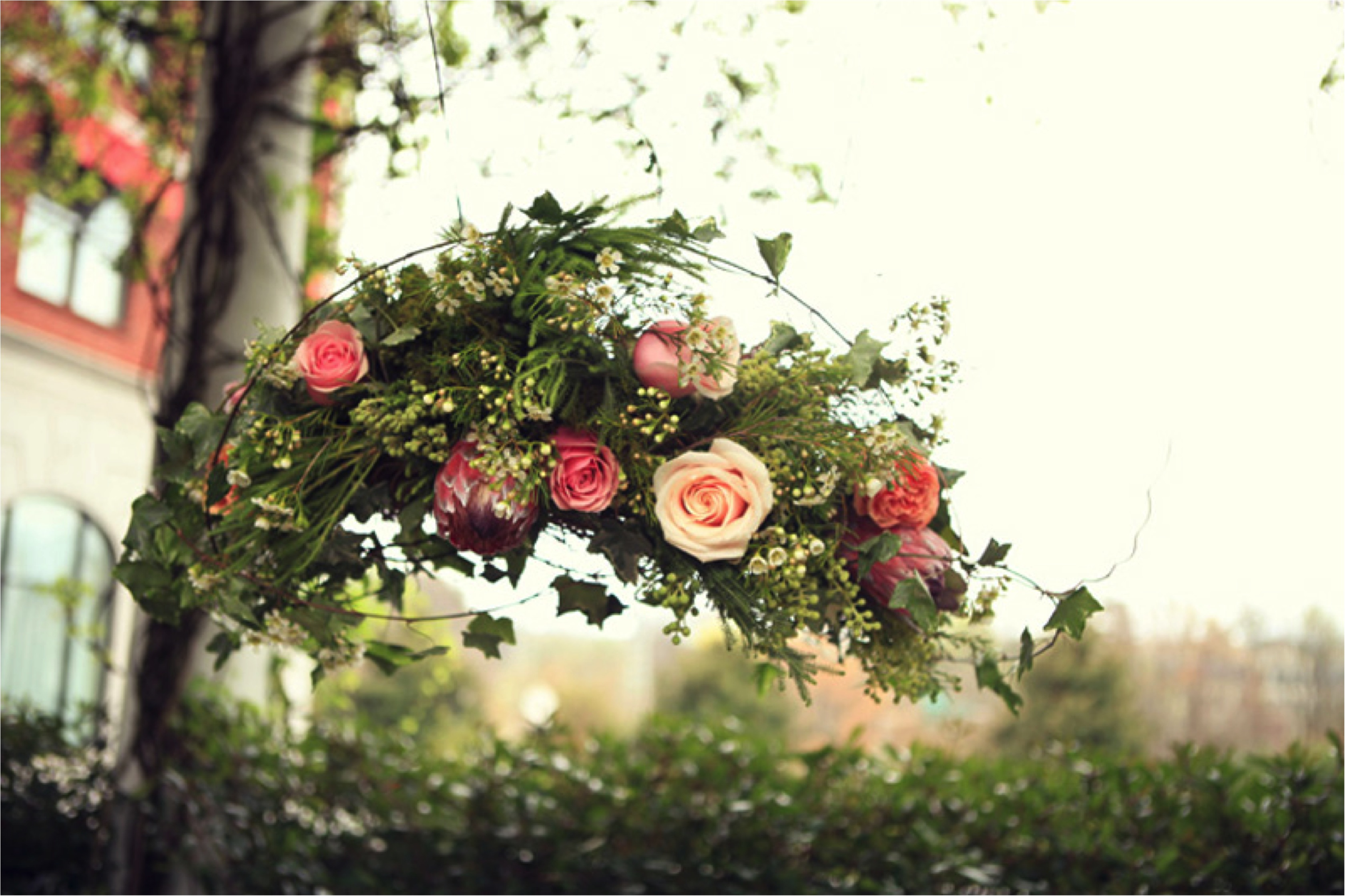 Southern Secret Garden Wedding Inspiration via TheELD.com