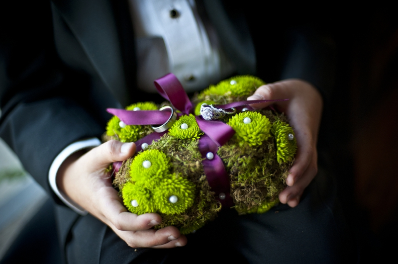 Modern Purple & Red Winter Wedding Inspiration via TheELD.com