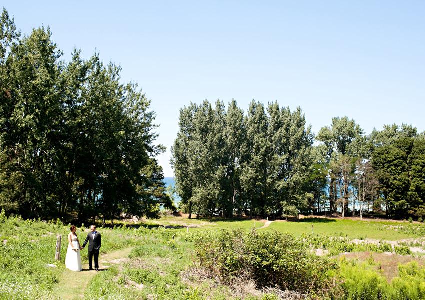 Handcrafted Michigan Picnic Wedding via TheELD.com