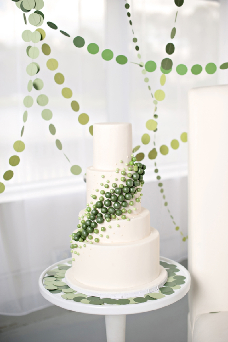 Modern Circle-Inspired Green & White Wedding Inspiration