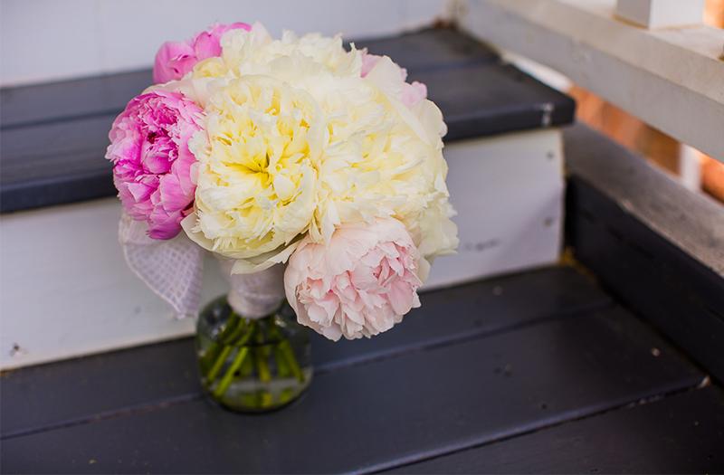 Romantic Purple and Blush North Carolina Wedding via TheELD.com