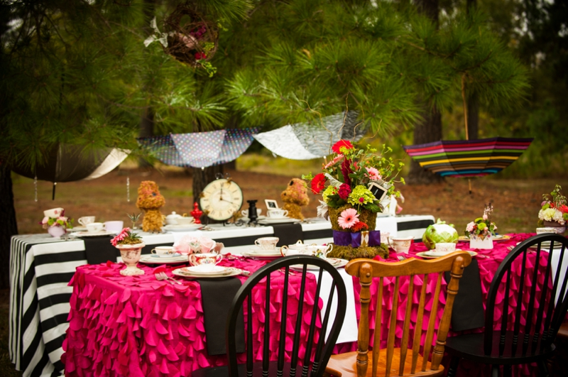 afcc0cf54af ... Alice In Wonderland Themed Bridal Shower via TheELD.com ...