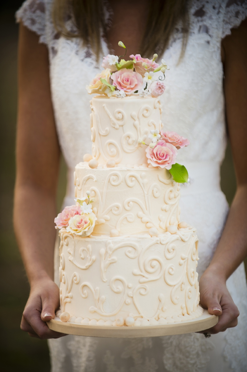 Rustic Wedding Cake Ideas  via TheELD.com
