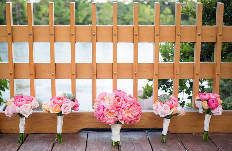 A Modern, Elegant Pink and Gold Wedding via TheELD.com