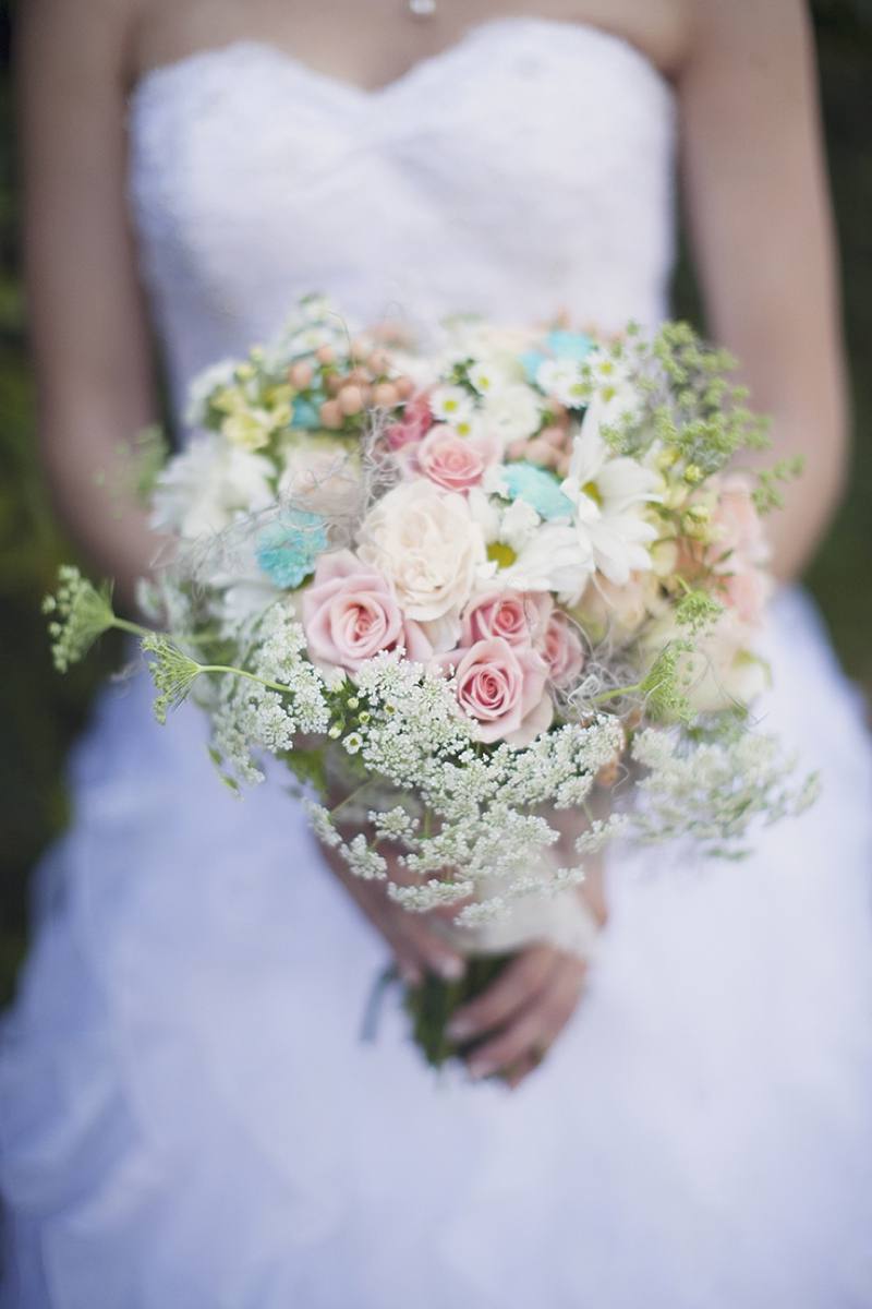 Aqua Wedding Ideas {Vintage}  via TheELD.com