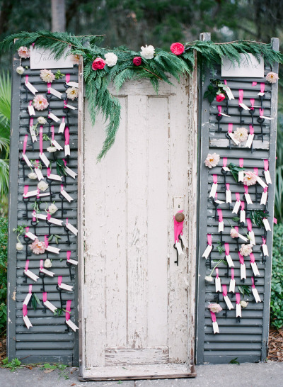 Detail To Love: Escort Card Display via TheELD.com