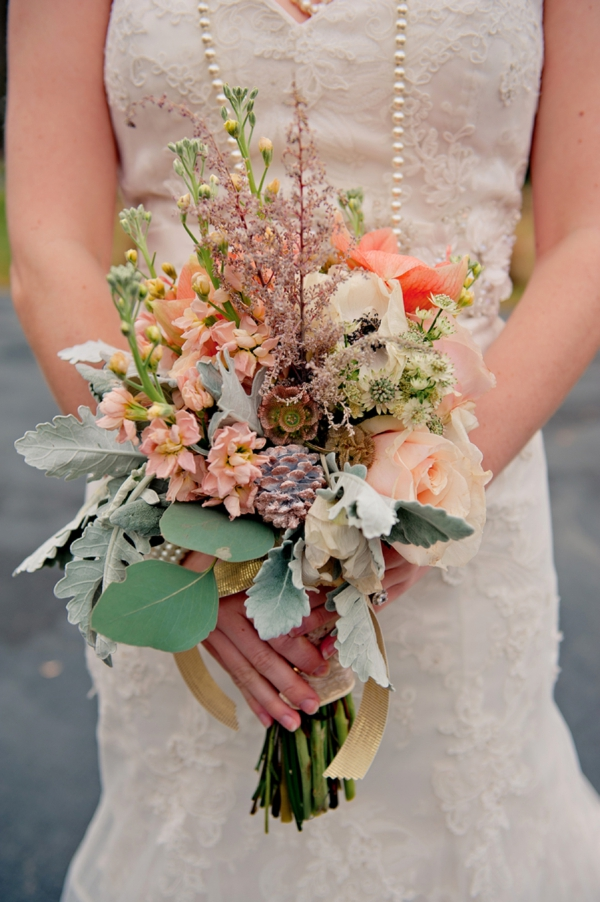 15 Unique Fall Bouquets Via TheELD