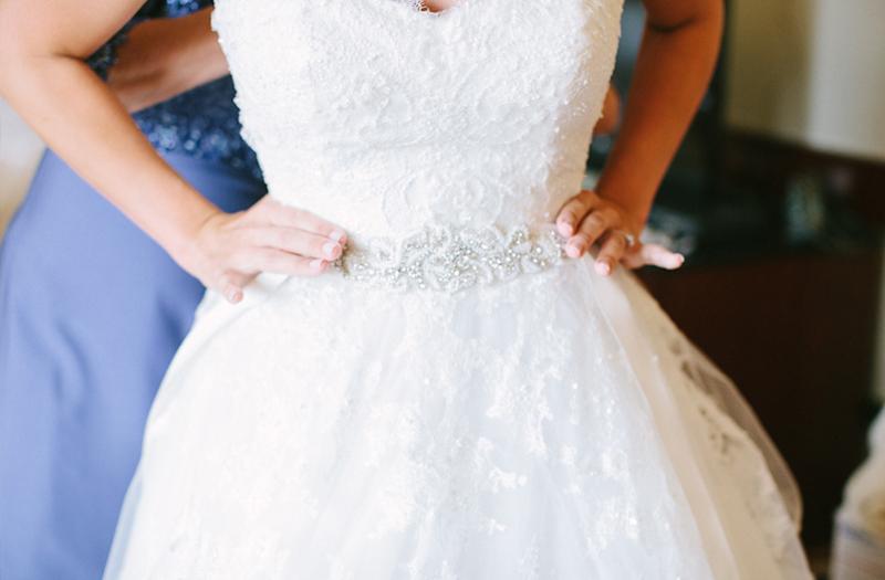 Classic Pink and White Pennsylvania Wedding via TheELD.com