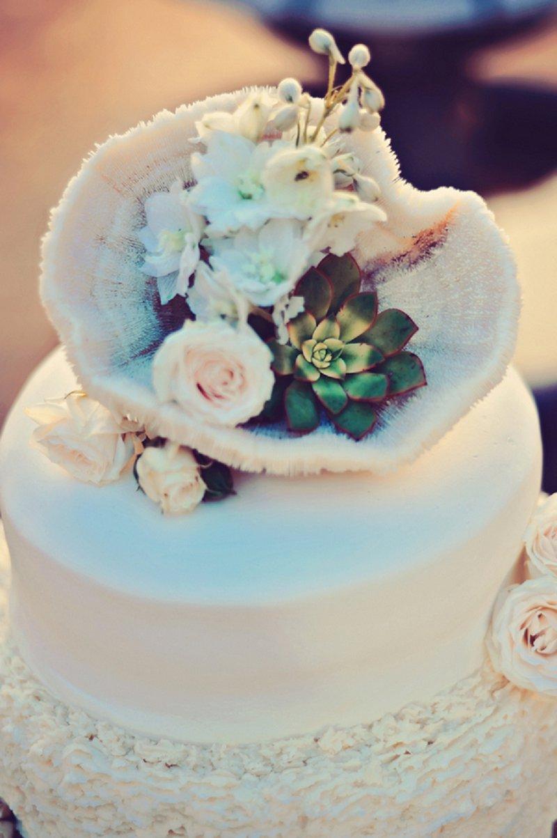 Rustic Elegant Champagne & White Hawaii Wedding via TheELD.com