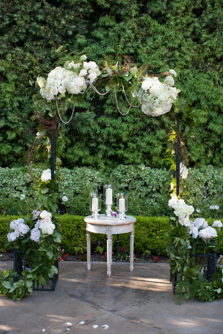 Roses In Garden: A Romantic, Timeless Champagne And Blush Wedding