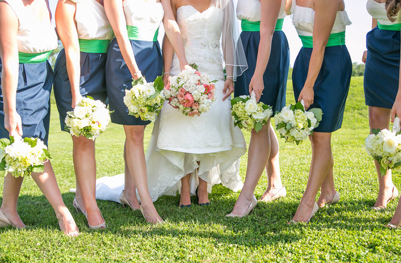 Preppy Southern Blue and Green Maryland Wedding via TheELD.com
