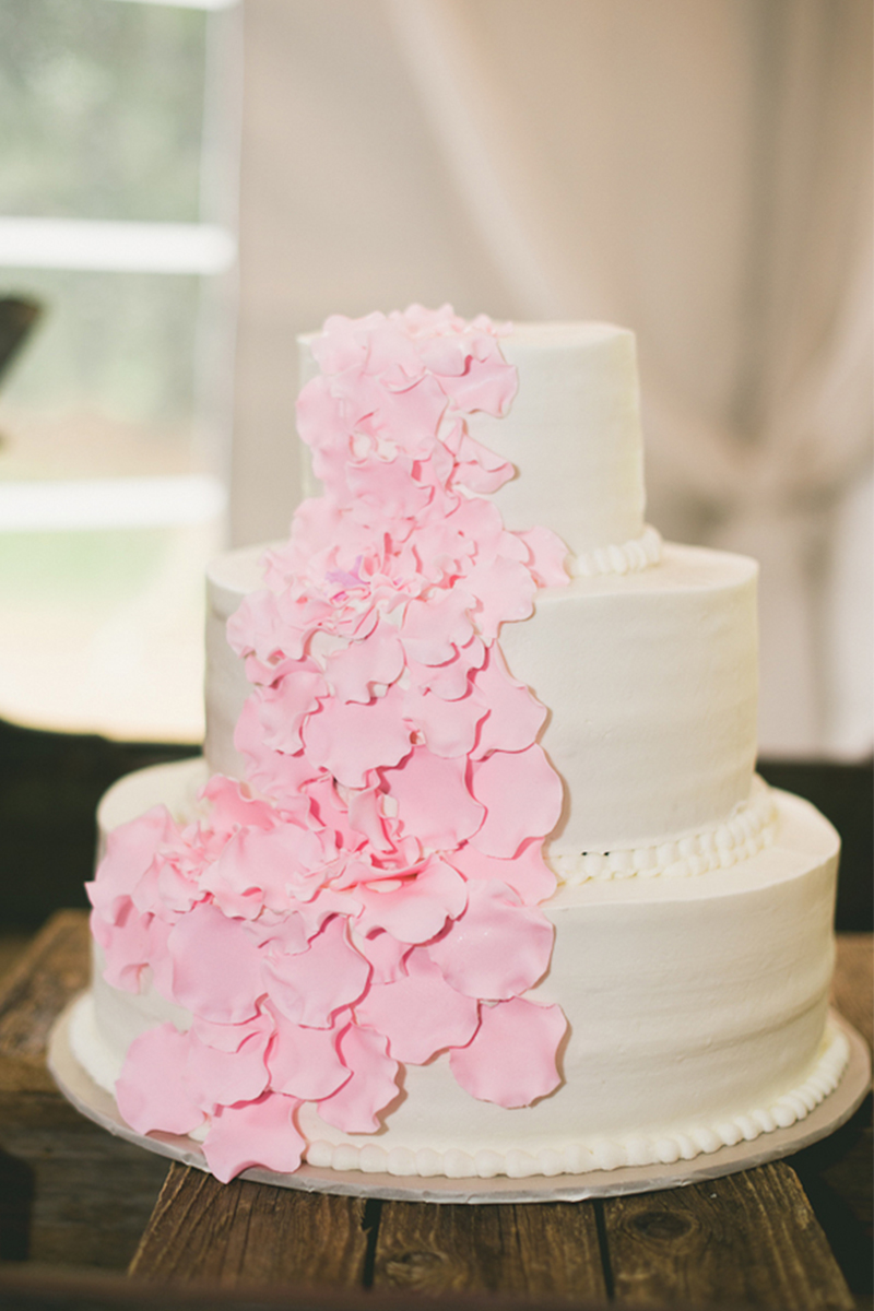 Vintage Rustic Pink and White Illinois Wedding via TheELD.com