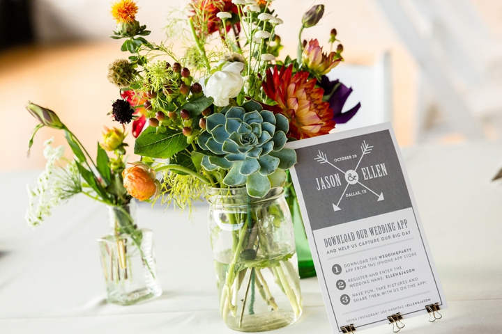 20 Unique Fall Centerpiece Ideas via TheELD.com