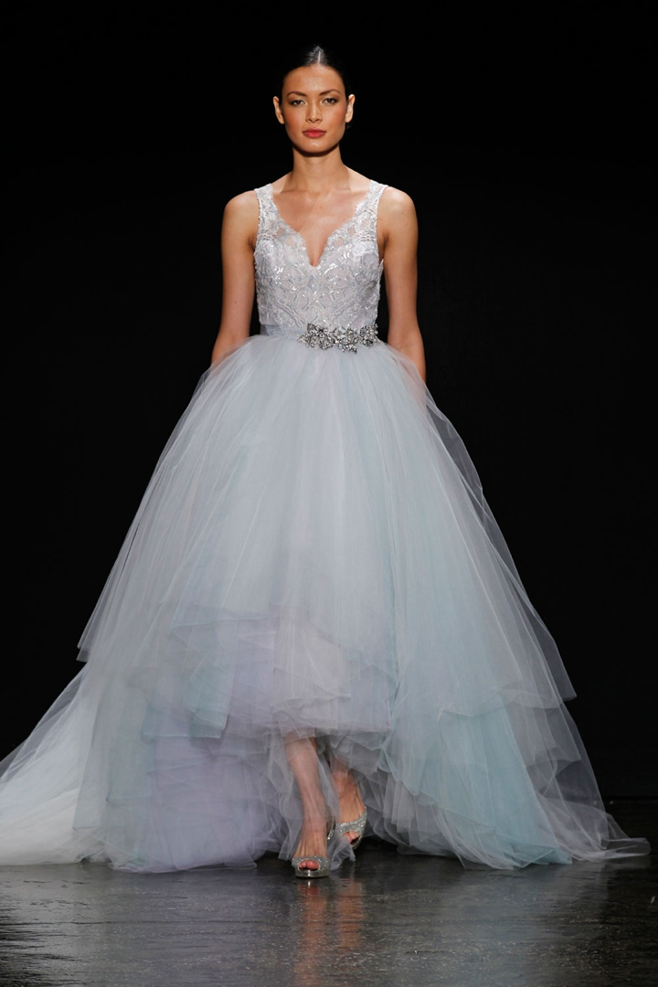25 Stunning Non Strapless Wedding Dresses via TheELD.com