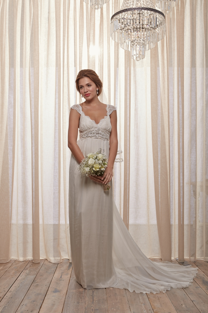 25 Stunning Non-Strapless Wedding Dresses | Every Last Detail