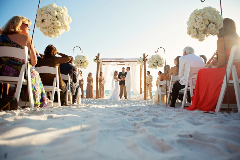 A Modern Glam Sparkle and White Destination Wedding via TheELD.com