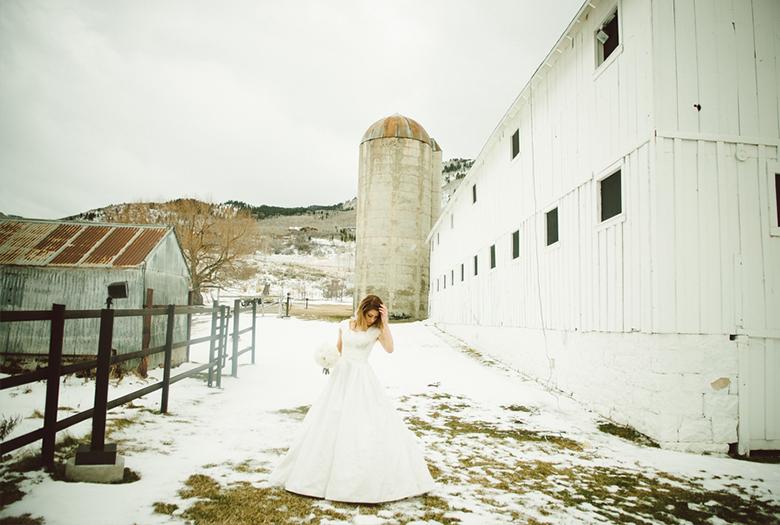 Rustic Winter Utah Wedding via TheELD.com