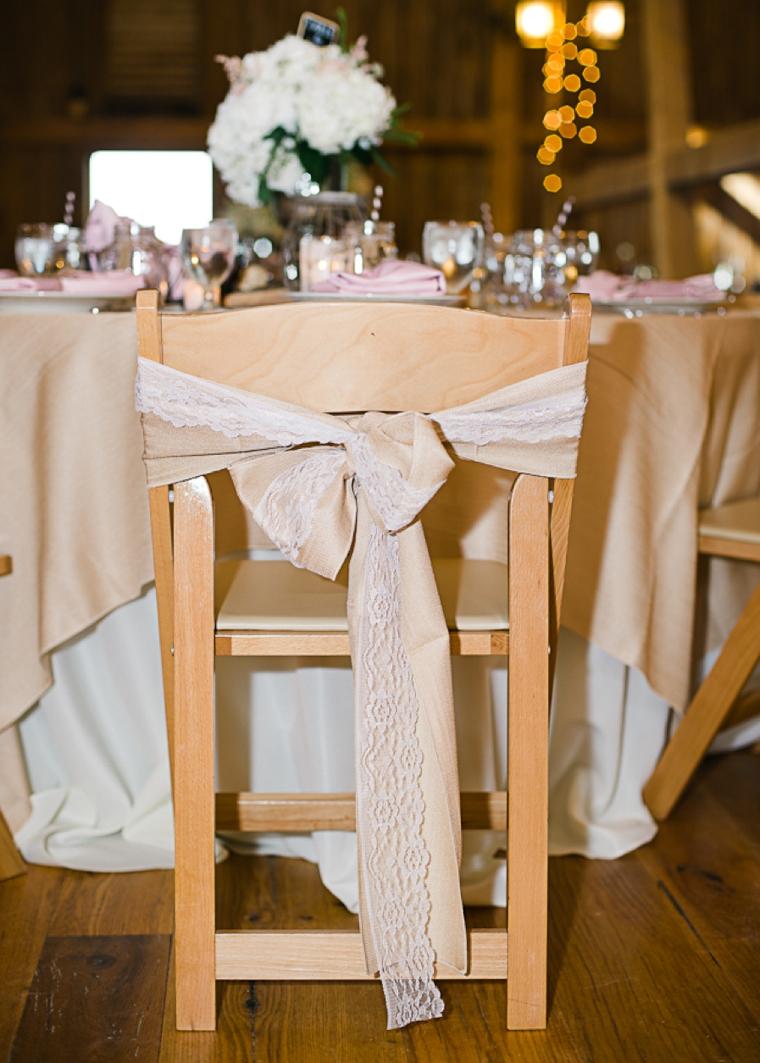 A Rustic Chic Pennsylvania Barn Wedding via TheELD.com