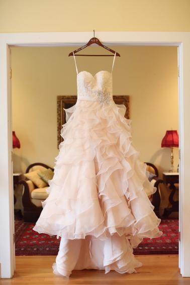 Rustic Blush and Mint Alabama Wedding via TheELD.com