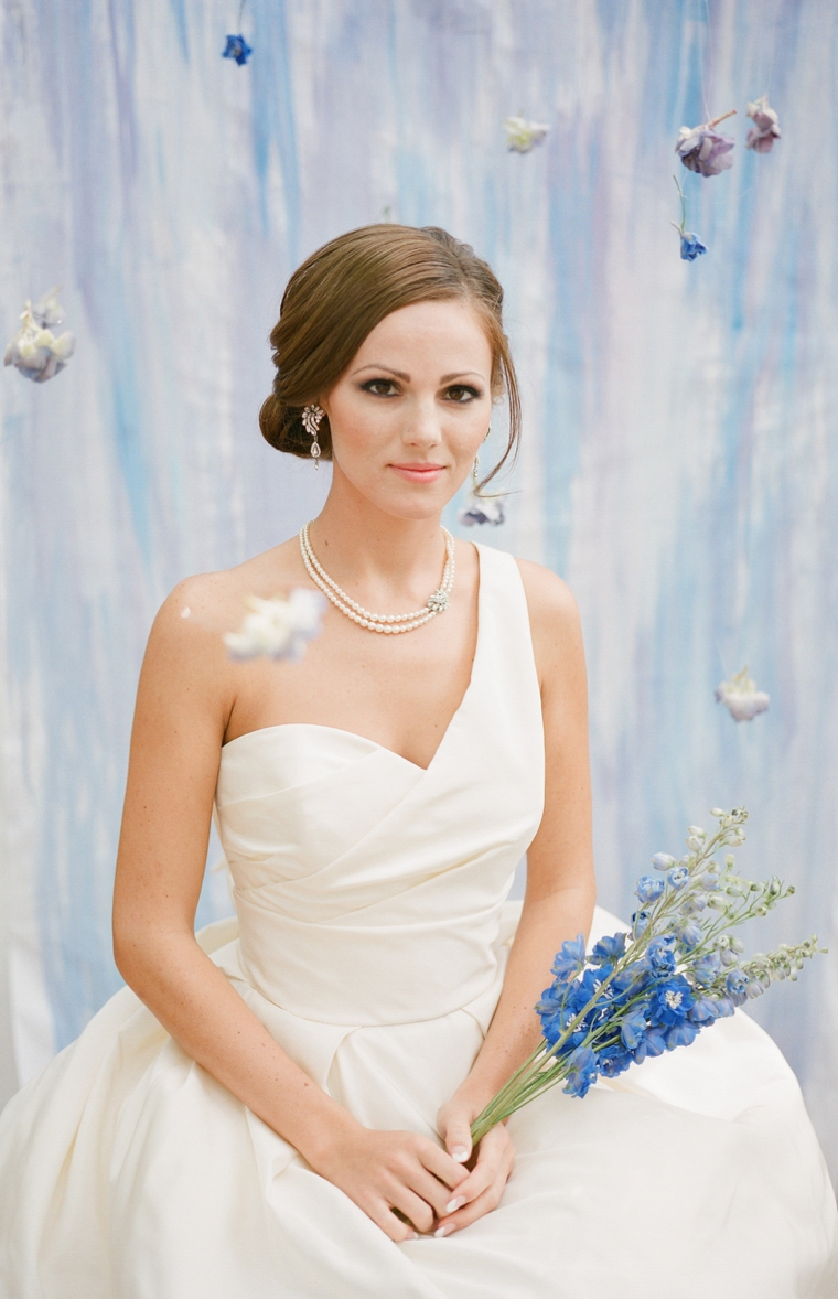 How to choose your wedding jewelry every last detail how to choose your wedding day jewelry via theeld ombrellifo Choice Image