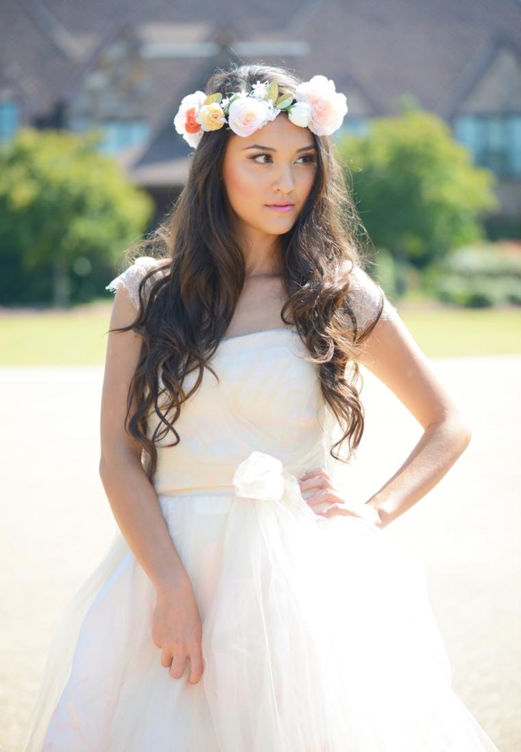 Romantic Gold and White Wedding Ideas via TheELD.com