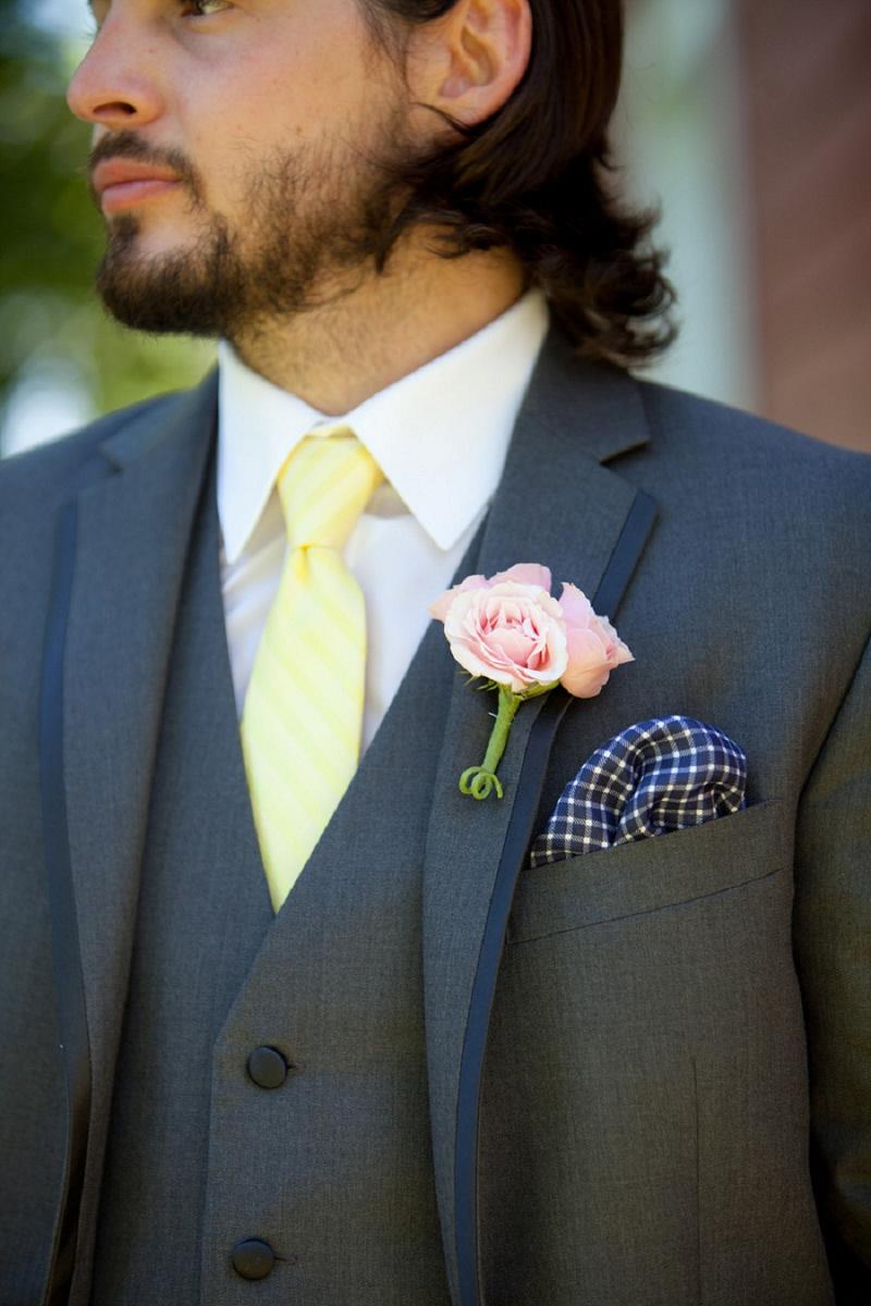A Navy, Pink and Yellow Chesapeake Bay Wedding via TheELD.com
